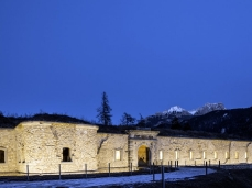 monte ricco fort -  outside, by night - photo giacomo de donà