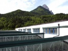 dc next - taibon block - la nuova fabbrica - sullo sfondo il monte agner - foto di sergio casagrande
