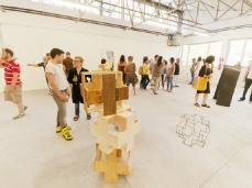 una delle officine del blocco trasformata in spazio espositivo_foto giacomo de dona