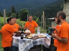 iTre in vigna_piccolo trattenimento ospitale con le Autorità Pagane di Borcia