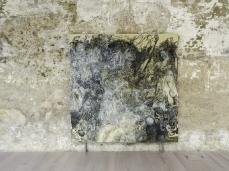 Paola Angelini, Matrice, 2014, olio su lino, 200×200 cm, opera inserita in Fuocoapaesaggio, Courtesy Galleria Massimo Deluca e Paola Angelini. Foto Giacomo De Donà